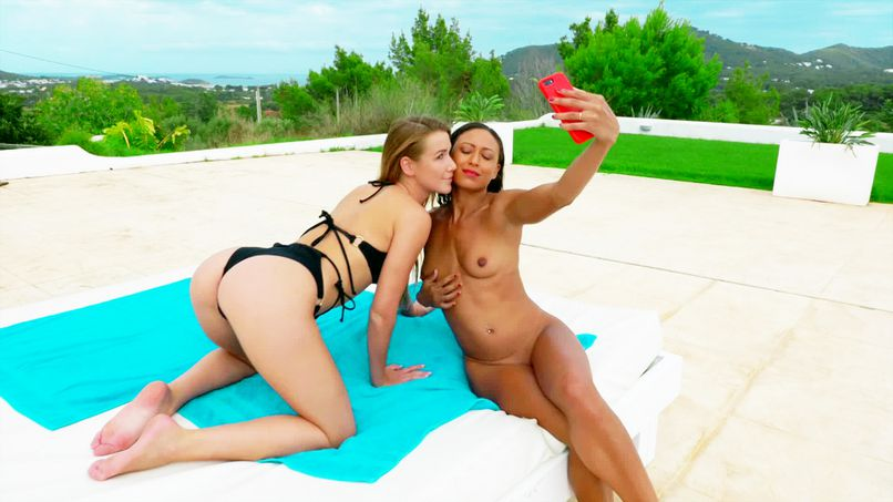 In Ibiza (3): two beautiful women for two big cocks! - Tonpornodujour.com