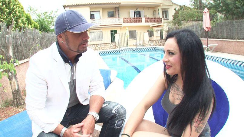 Patricia, a bourgeois slut fucked in her pool in Marbella! - Tonpornodujour.com