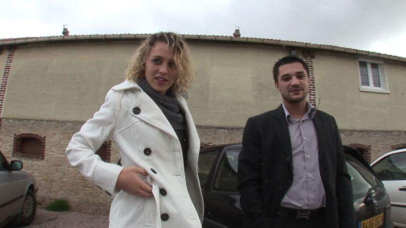 Lucie, a beautiful blonde very naughty gangbang in a libertine club! - Tonpornodujour.com
