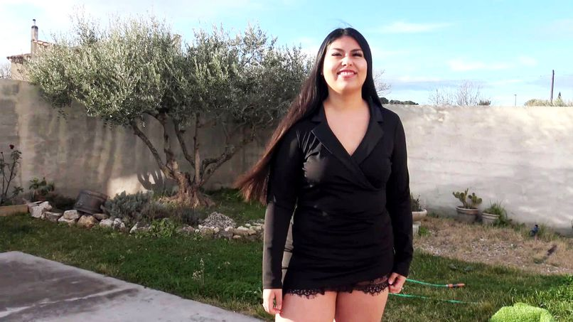 This beautiful big slut from Gloria takes a big black cock in every hole! - Tonpornodujour.com