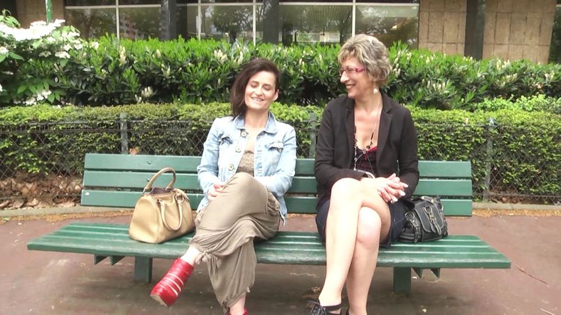 Very naughty reunion between the teacher and the very naughty student! - Tonpornodujour.com