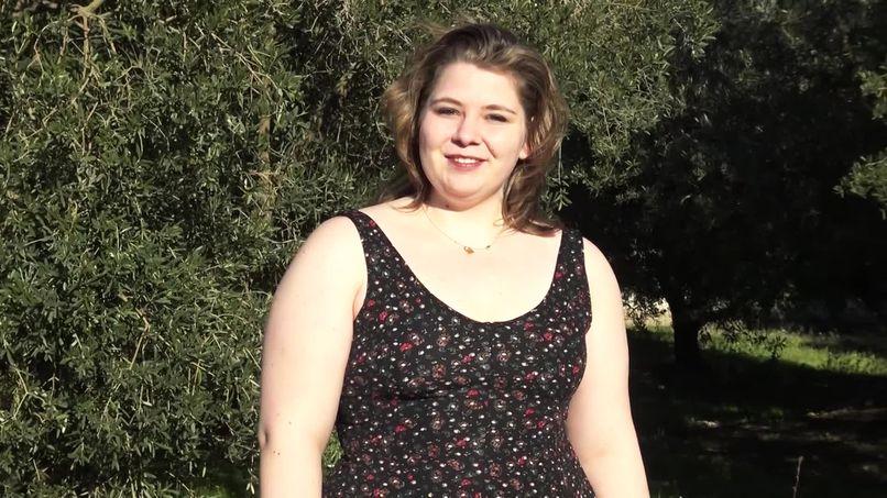 Anaïs, a 22-year-old slut who has a series of hard sex experiences with big cocks! - Tonpornodujour.com