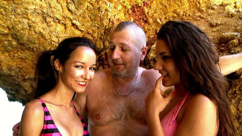 Good fuck at the beach with Francys and Déborah - Tonpornodujour.com