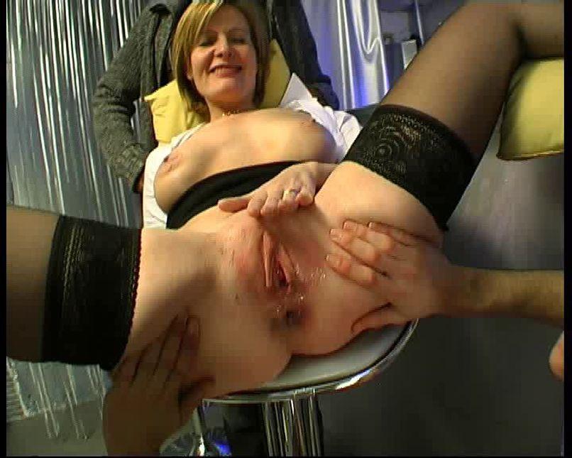 A woman doctor in consultation for a sodomy! - Tonpornodujour.com