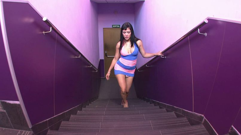 Samanta, a young rascal with a huge pair of breasts - Tonpornodujour.com