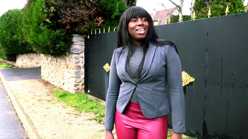 Rubie, a black girl in a hurry and a real amateur slut! - Tonpornodujour.com