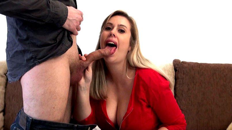 Anaïs, a beautiful blonde woman with big breasts! - Tonpornodujour.com