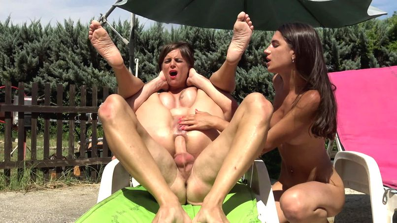 Anal destruction in order for Marie and Candie, two very close sluts! - Tonpornodujour.com