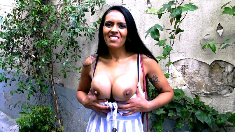 The big boobs and the bewitching ass of Sheyla, 37 years old! - Tonpornodujour.com