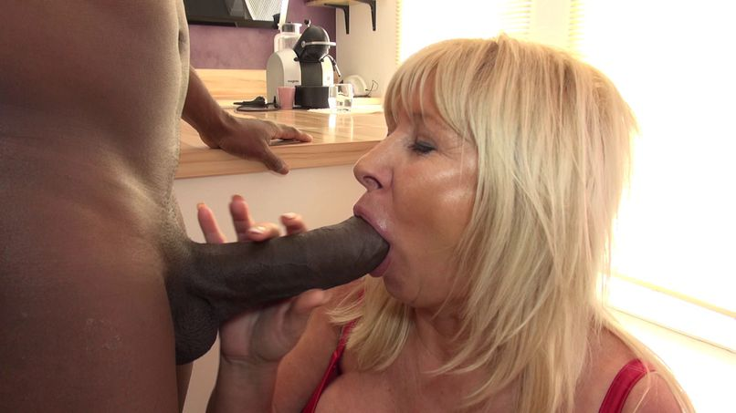 Emmanuelle, a milf with huge breasts gets screwed by the big cock Joss! - Tonpornodujour.com