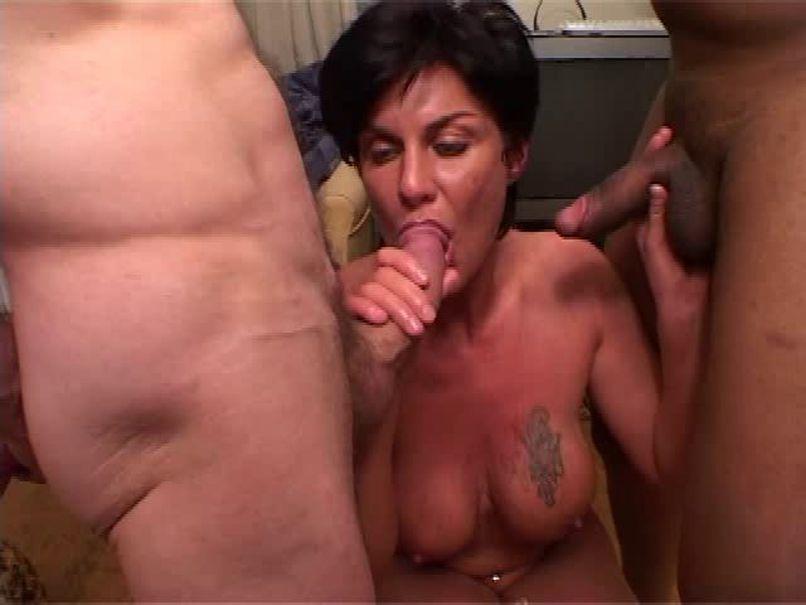 Vanilla, the beautiful milf, gets fucked in a gang bang! - Tonpornodujour.com