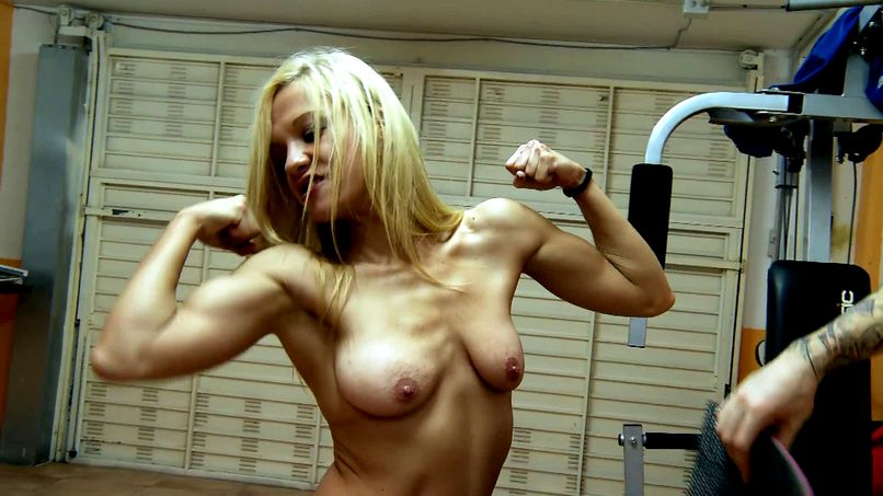Aina, a very sporty blonde milf - Tonpornodujour.com