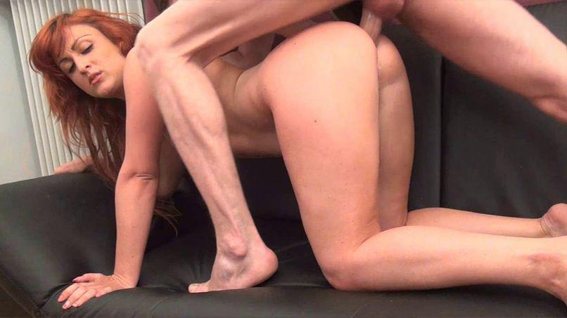 Juliana offers a deep sodomy in the loft of dreadful! - Tonpornodujour.com