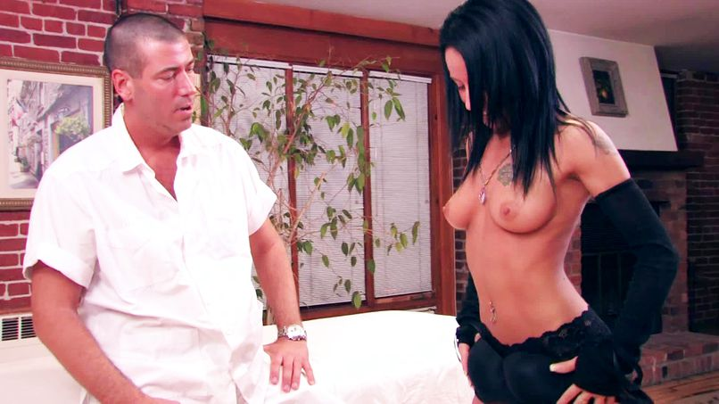 Our guy offers an intense massage to Karine's beautiful slutty ass to relax her! - Tonpornodujour.com