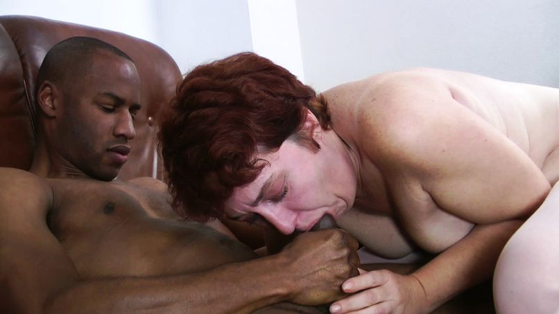 Anal plan very perverse for a mature mother in need of big cock! - Tonpornodujour.com