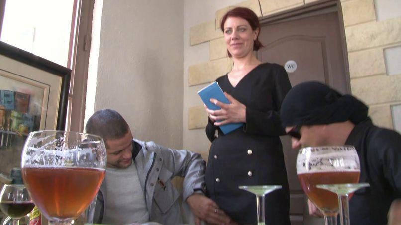 French sex for this boss of pizzeria, big ass milf! - Tonpornodujour.com