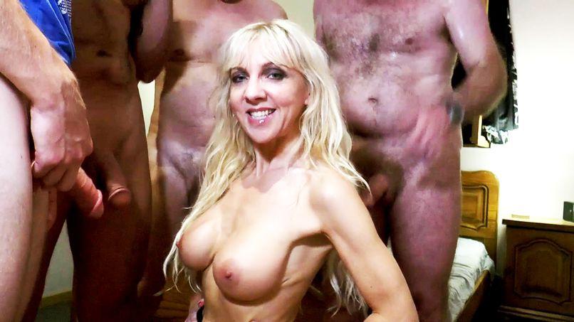 Thérèse, an adventurous cougar who loves amateur sex! - Tonpornodujour.com