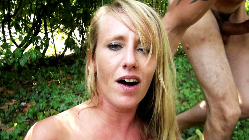 Mathilde, a beautiful slut who will start with an anal session! - Tonpornodujour.com