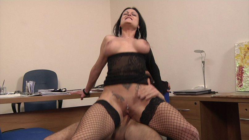 Mila is particularly fond of anal! - Tonpornodujour.com