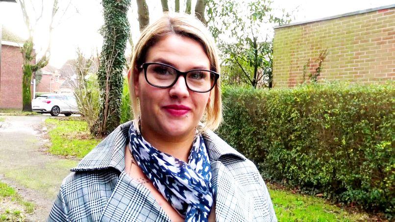Mélinda, a beautiful young slut with big natural breasts, is introduced to filmed amateur sex! - Tonpornodujour.com