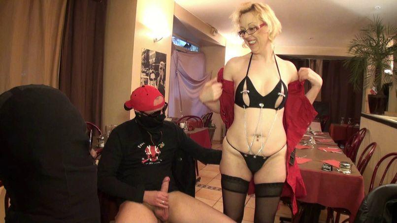 Very slutty milf Christiana has fun in a gang bang! - Tonpornodujour.com