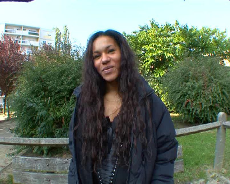 Beautiful mixed race slut, Lea gang-banging for her husband! - Tonpornodujour.com