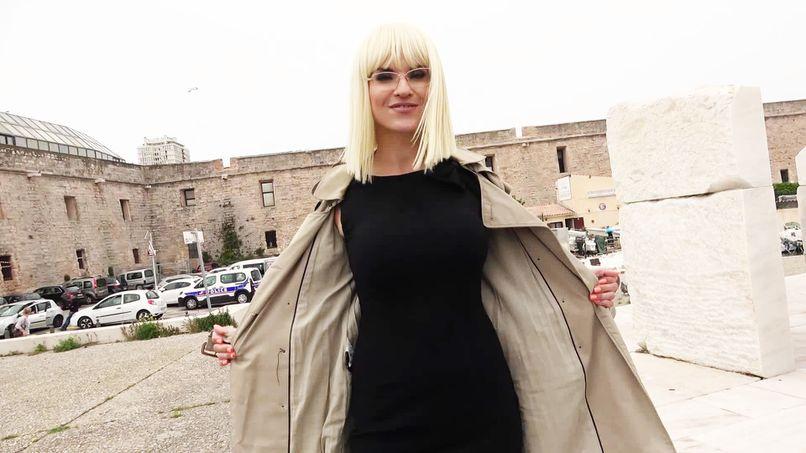 Marie-Charlotte, a beautiful 40-year-old slut who wants to change radically! - Tonpornodujour.com