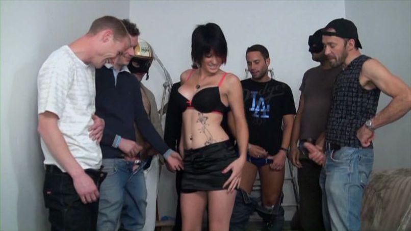Kenza a big slutty bitch gets caught in a gangbang! - Tonpornodujour.com