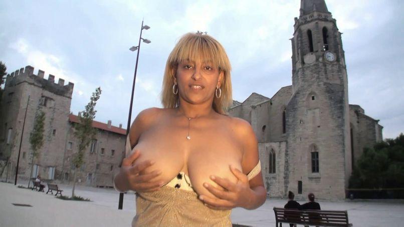 So, a busty busty babe very exhib! - Tonpornodujour.com