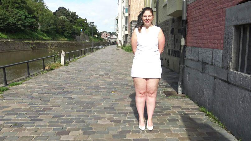 Alice, a 35-year-old beginner slutty milf already very experienced! - Tonpornodujour.com