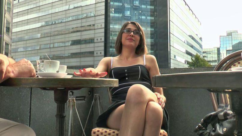 Celine, a big bitch very slut who loves double penetration! - Tonpornodujour.com