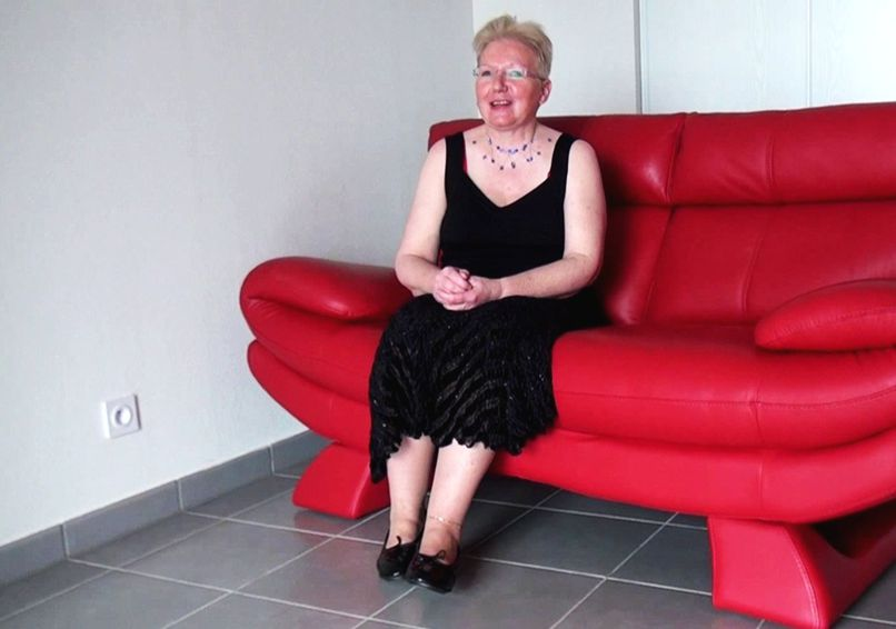 Fucking with grandma in his residence! - Tonpornodujour.com