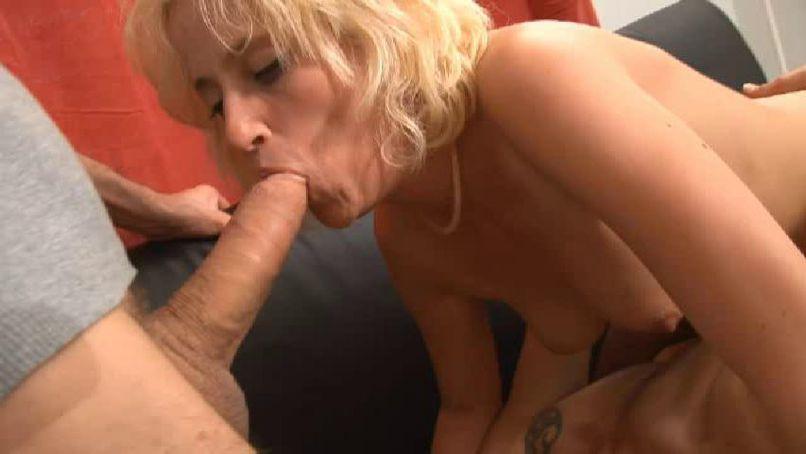 Tessia gets shaken in the Loft des Affreux! - Tonpornodujour.com