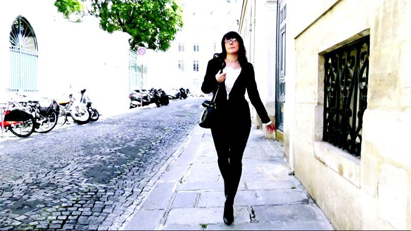 Loving amateur sex, Camille, 31, is a very open libertine woman! - Tonpornodujour.com