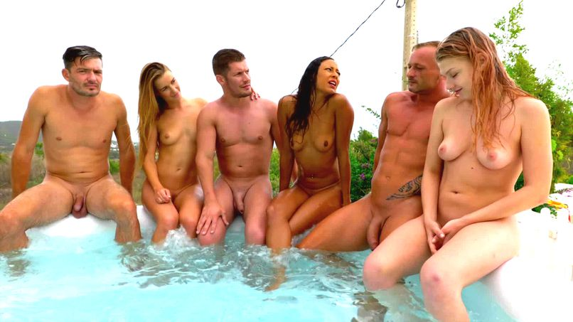 In Ibiza (2): everyone naked in the jacuzzi before a good gang-bang! - Tonpornodujour.com