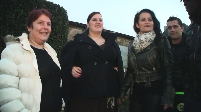 Hard sex session, with Dominique and her aunt! - Tonpornodujour.com
