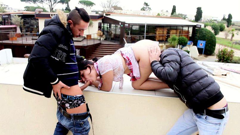 A young slut is introduced to anal sex ... - Tonpornodujour.com