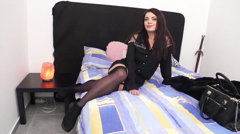 Big assertive slut, Marion, 30 years old, wants a big cock or nothing! - Tonpornodujour.com