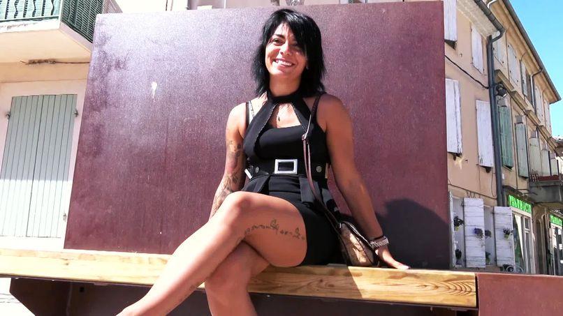 Despite her shyness, this beautiful slut Alicia, 26, enjoys two big cocks and double penetrations repeatedly! - Tonpornodujour.com