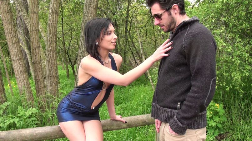 A beautiful slut from the Bois de Boulogne - Tonpornodujour.com