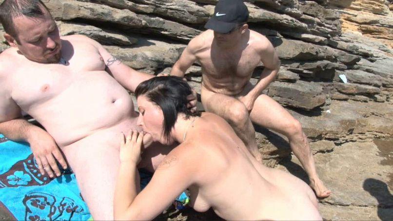 Free fuck on the beach of Liouquet - Tonpornodujour.com