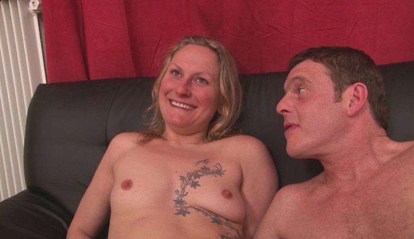 Gloria, the beautiful Italian with the beautiful ass offers a gang-bang in the loft of dreadful! - Tonpornodujour.com