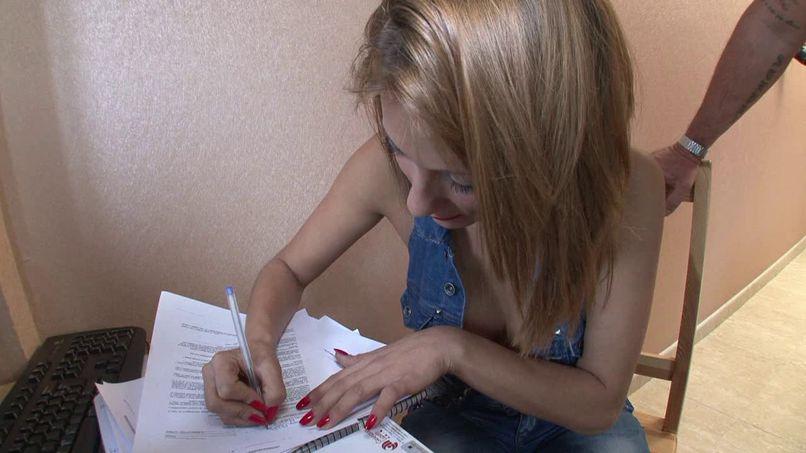 Mar, 22 years old, a very slutty Spanish girl - Tonpornodujour.com