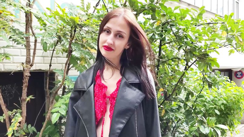 Feel her ass fucked, the endless pleasure of Jessika, beautiful 26-year-old Ukrainian slut! - Tonpornodujour.com