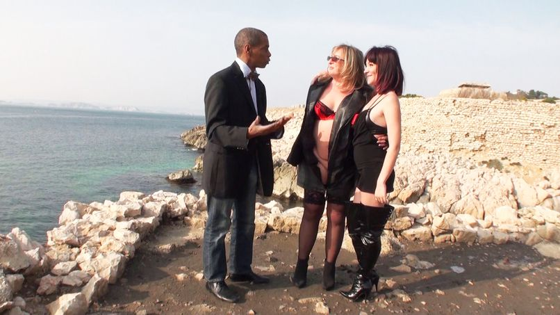 Isabelle, mature busty, is a big slut! - Tonpornodujour.com