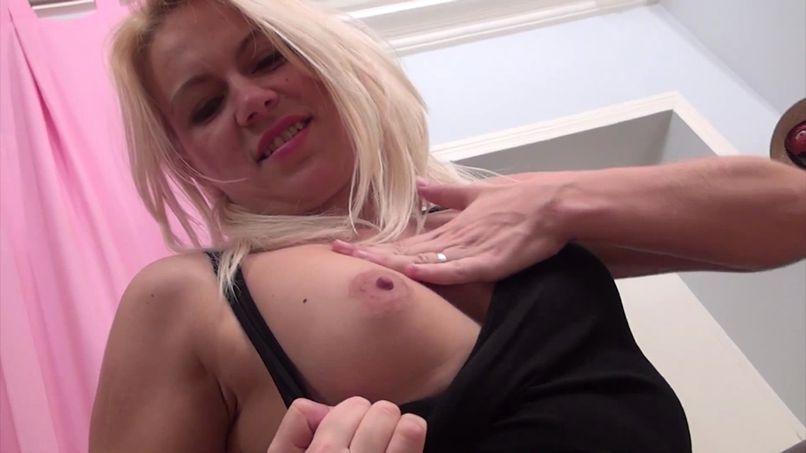 Sandrine gets licked anus! - Tonpornodujour.com