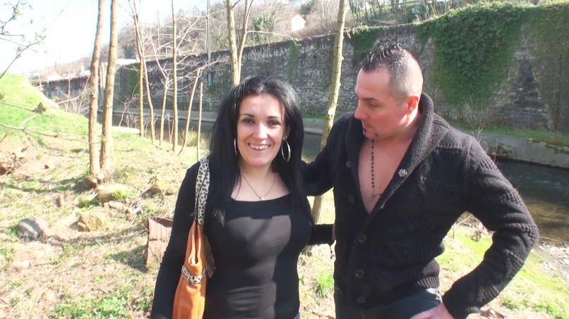Mariza, a busty Arab gets her pussy fucked by a fan! - Tonpornodujour.com