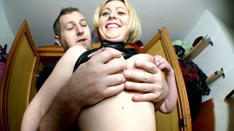 Marion, fat blonde slut with hairy pussy! - Tonpornodujour.com