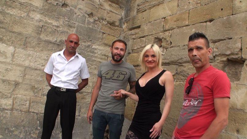 Caroline, blonde milf with big tits gang-bang! - Tonpornodujour.com