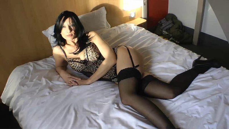 Leah, a big slut who tries anal! - Tonpornodujour.com